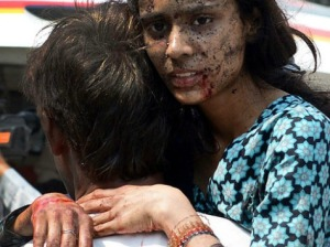 pakistan_church_attack_woman_AFP